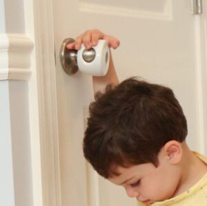 Doorknob with cover plate